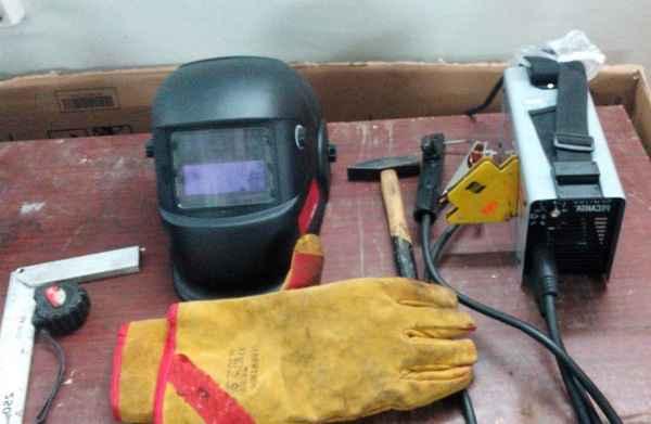 Инструменты сварщика ручной дуговой сварки