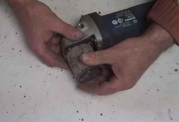 Как сделать электролобзик из болгарки своими руками