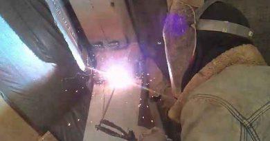 Как выполняется сварка потолочных швов электродом