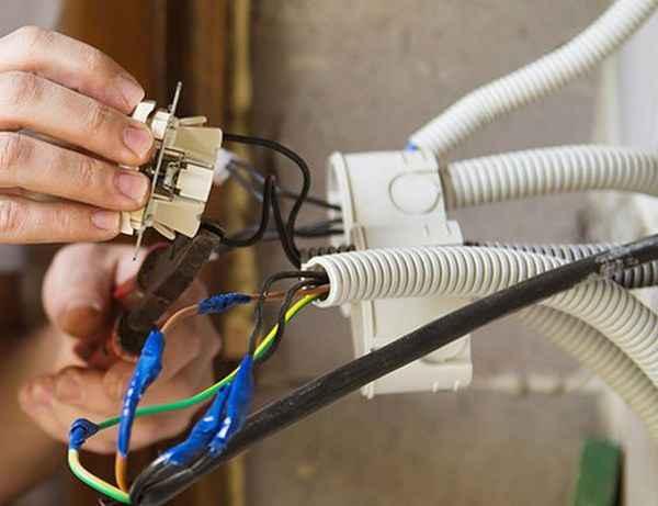 Во сколько обойдётся ремонт и замена электропроводки?