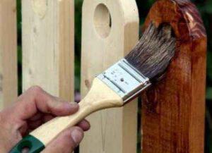 Чем покрасить деревянный забор  вместо краски - топ 5 составов