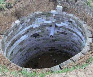 Почему лучше не делать сливную яму на участке