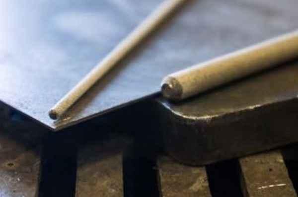 Какими электродами лучше варить тонкий металл
