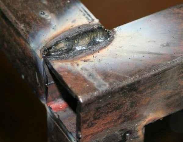 Шлак и металл при сварке