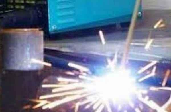 Сколько потребляет электроэнергии инвертор во время сварки