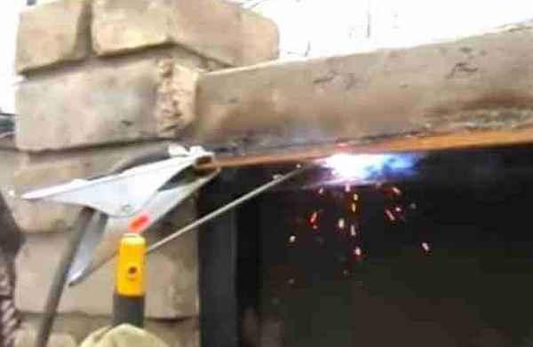 Как научиться варить вертикальный шов с отрывом