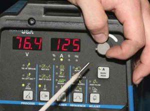 Настройка сварочного тока, чтобы не прилипали электроды